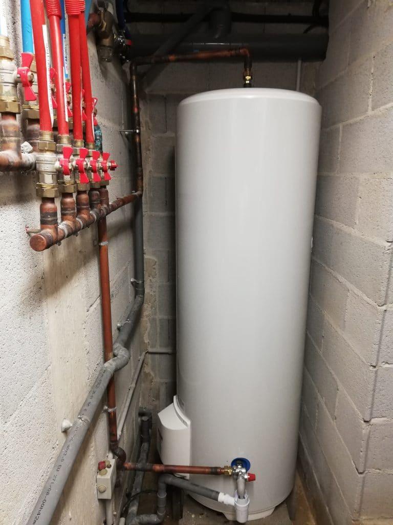 Remplacement chauffe-eau électrique THERMOR 300L à Ceyreste 13600.